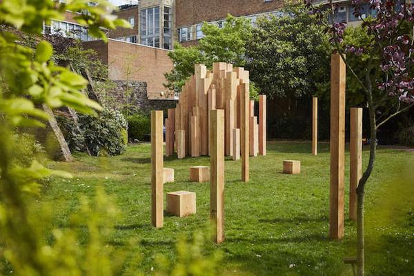 まるで異空間…!膨大な数の木片で構成された秘密の隠れ家 (5)