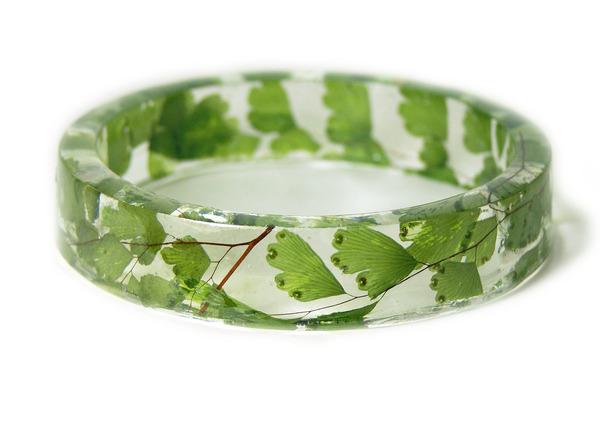 透明な樹脂に花や植物を詰め込んだハンドメイドアクセサリー_ (12)