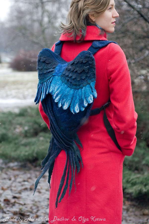 飛んでいきたい…羽根をモチーフにしたリュック (2)
