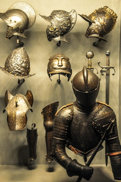 ミラノ人の鎧 イタリア ポルディ・ペッツォーリ美術館