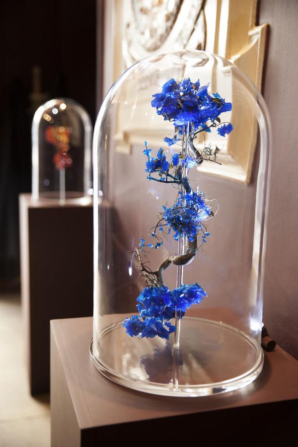 花と結晶。植物と鉱石を融合した芸術作品 (1)
