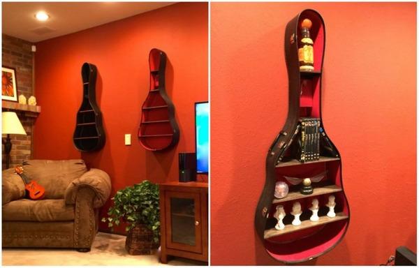 12 ギターケースを小物棚に