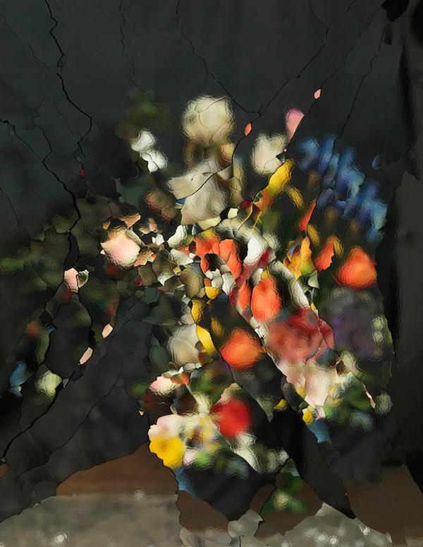 壊れた鏡に反射させた花 3