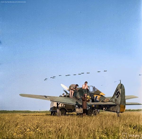 カラー化された白黒写真。第二次世界大戦中WWIIの画像 (3)
