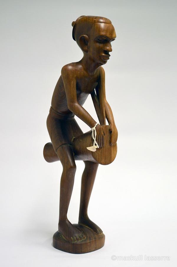 人間の骸骨彫刻 Maskull Lasserre 3