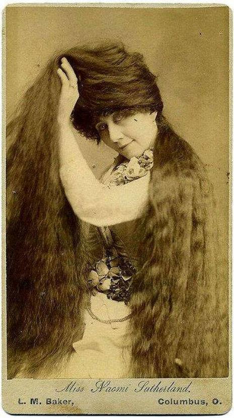 昔の人は髪の毛が超長い!ビクトリア朝の女性の白黒写真 (20)