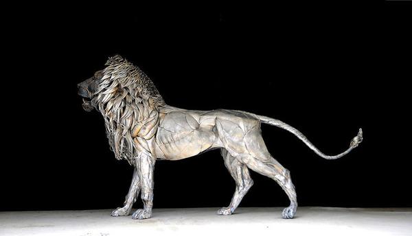 鋼鉄のライオン彫刻、アスラン by Selçuk Yılmaz 6