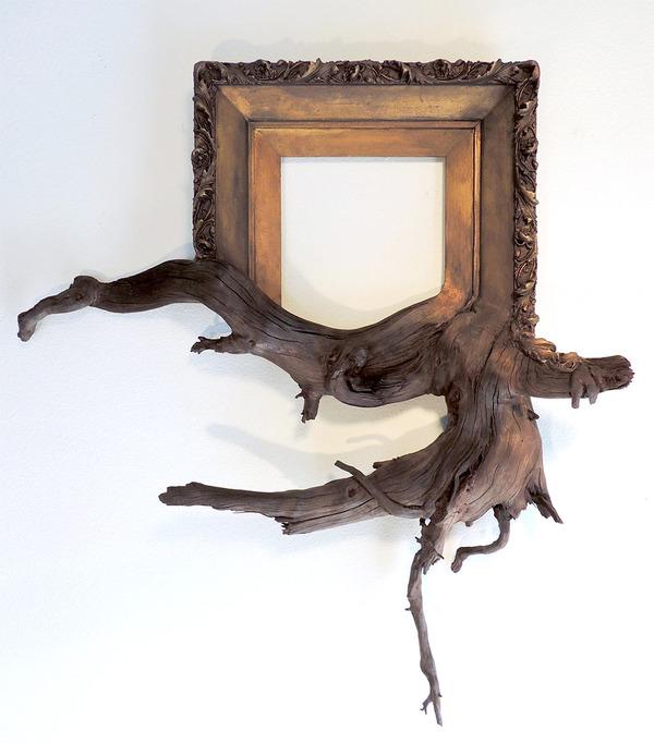 ねじれた木の形を生かしたヴィンテージで華やかな額縁 (6)