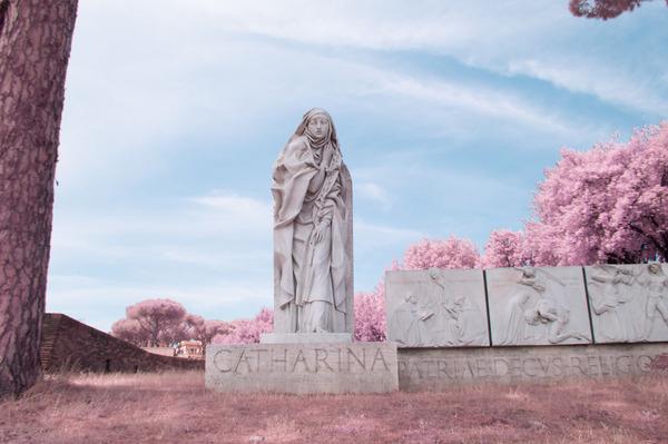 赤外線カメラで撮影されたイタリア・ローマの景色が幻想的 (3)