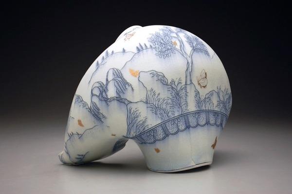 ぐんにゃりぶっ壊れてる!破壊された陶磁器の彫刻作品 (3)