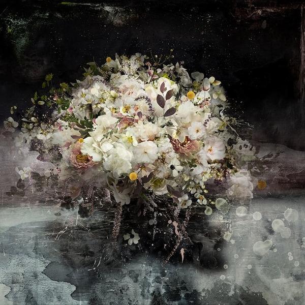 木々や花々を組み合わせて作られたコラージュ画像 (3)