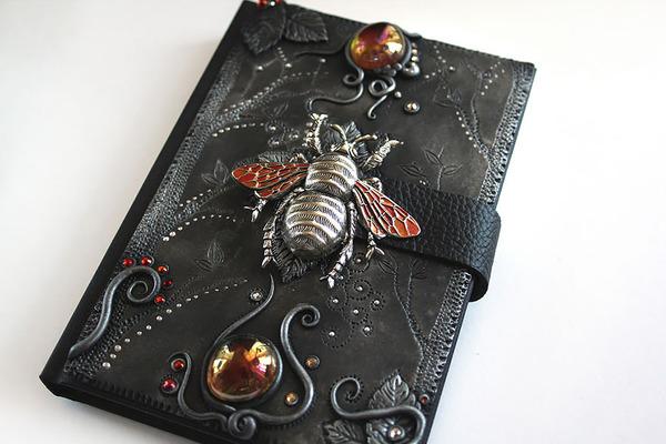 昆虫のブックカバー