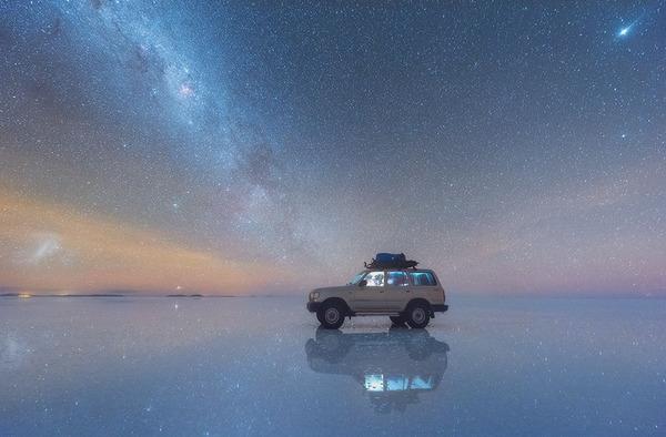 夜空に跨る天の川!ボリビア、ウユニ塩湖の星空が綺麗過ぎる (2)