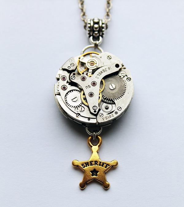宝石や彫刻で彩られたスチームパンク風アクセサリー (3)