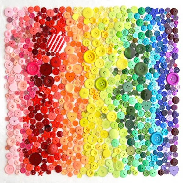 物で虹の色彩を作るアート写真プロジェクト (21)