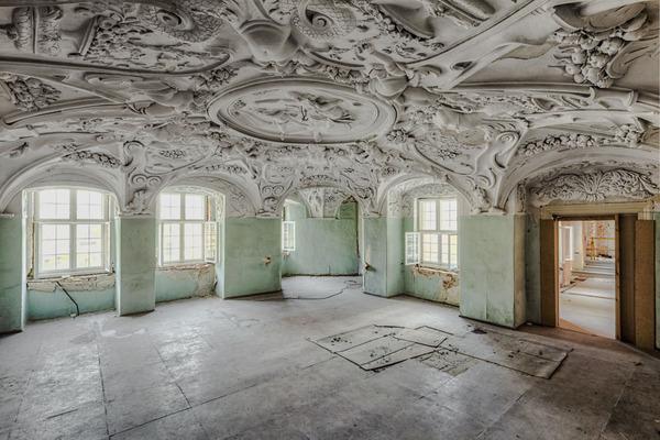 ヨーロッパの廃墟画像!寂れた建物の内観でメランコリック (23)