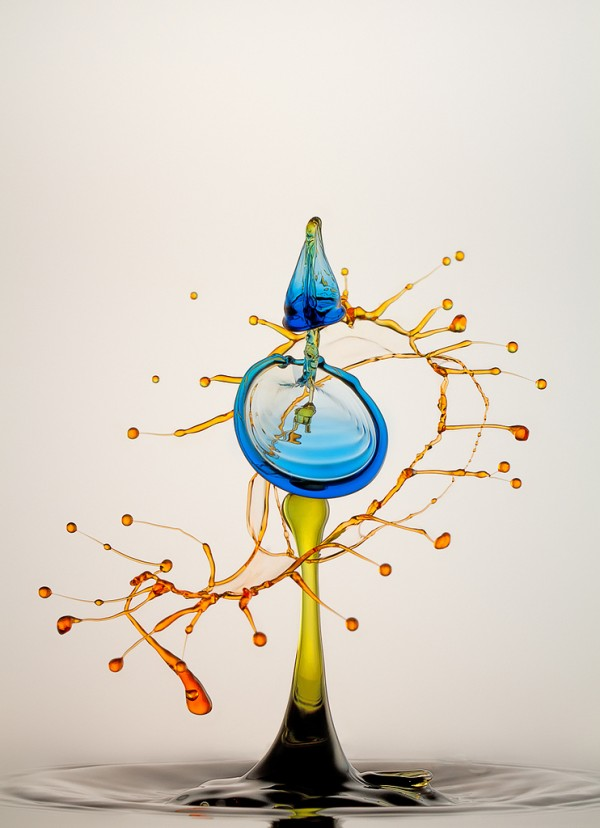 幻想的な「液体と泡のアート写真」