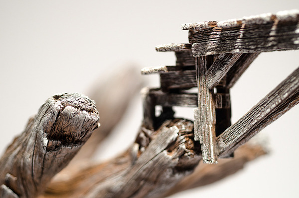 木材の彫刻のように見えるセラミック彫刻 (30)