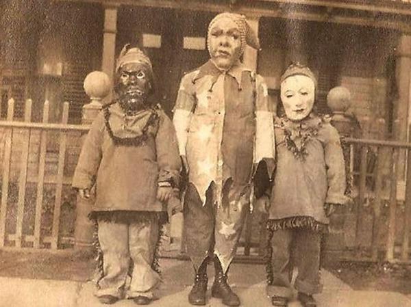 昔のハロウィンの写真がガチでホラーすぎる…! (2)