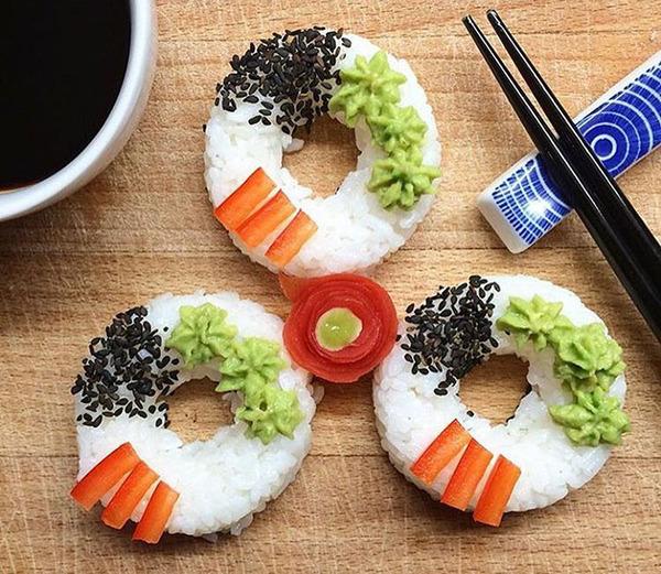 なかなか華やか。外国人が作った寿司ドーナッツ! (5)