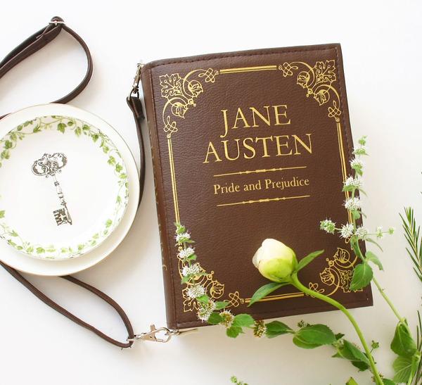 小説をモチーフにした本のバッグがかわいい (4)