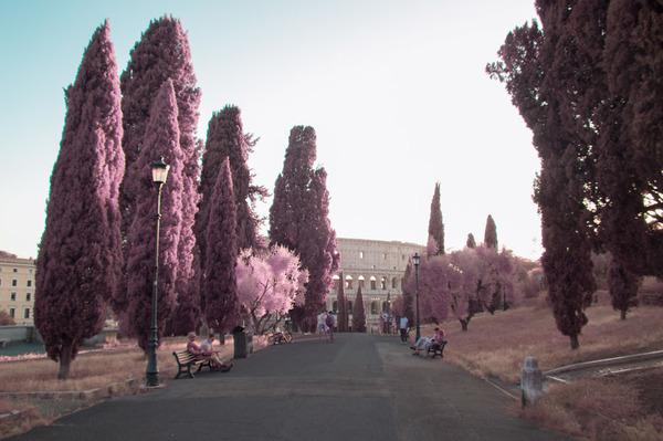 赤外線カメラで撮影されたイタリア・ローマの景色が幻想的 (7)