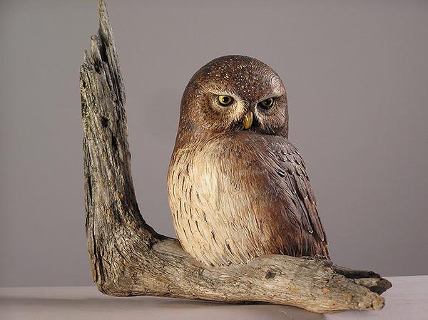 生き生きとした躍動感!野生動物の木彫りの彫刻作品 (14)