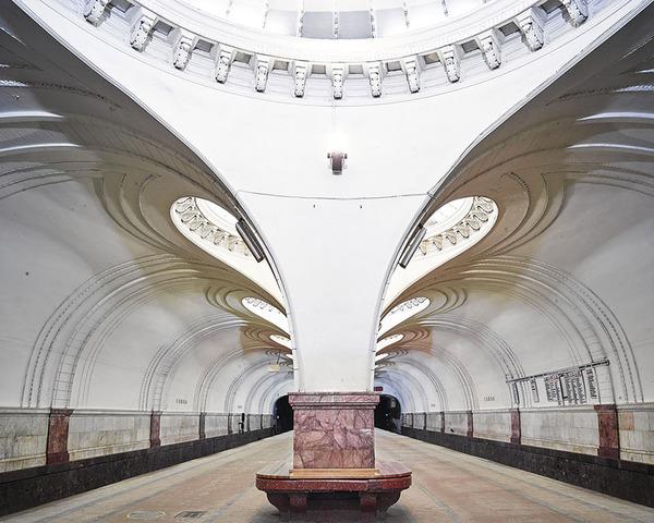 建築美!宮殿のように豪華で美しいロシアの地下鉄の画像 (9)