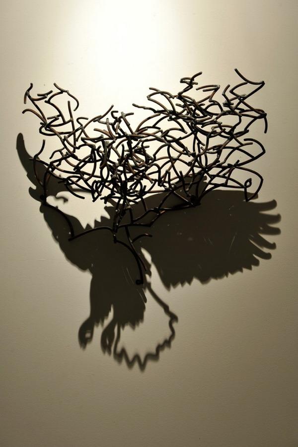 鋼線に光を当てると影の形が生まれるシャドーアート! (15)