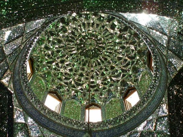 シャー・チェラーグ廟!超煌びやかなモスクの内装 (3)