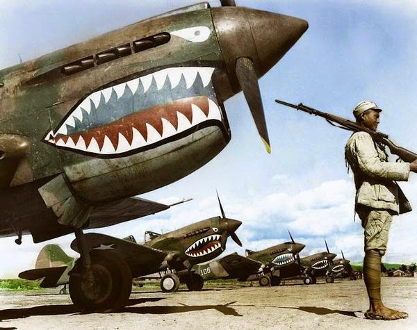 カラー化された白黒写真。第二次世界大戦中WWIIの画像 (4)