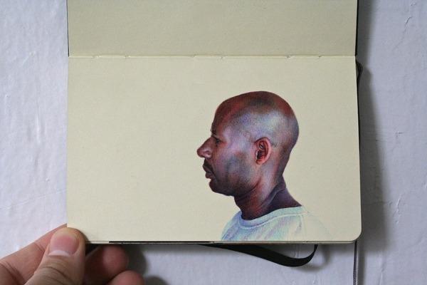 画家が小さなスケッチブックに描くボールペン画がすごい! (11)