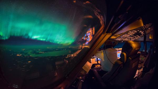 コックピットから撮影された壮大な空の写真 (21)