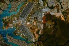 ほのかに幾何学模様チック。衛星から撮影した地球上の僕らの街