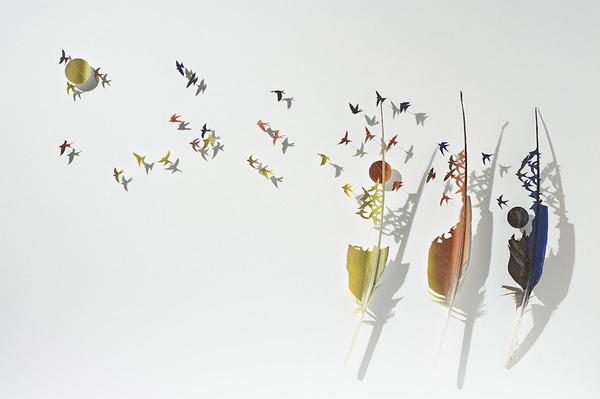 鳥の羽から切り取られた鳥類や動物のモチーフ (2)