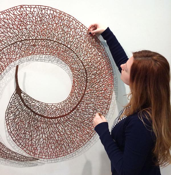ミシンで作る!葉脈や珊瑚をモチーフにした透かし彫りの刺繍 (1)