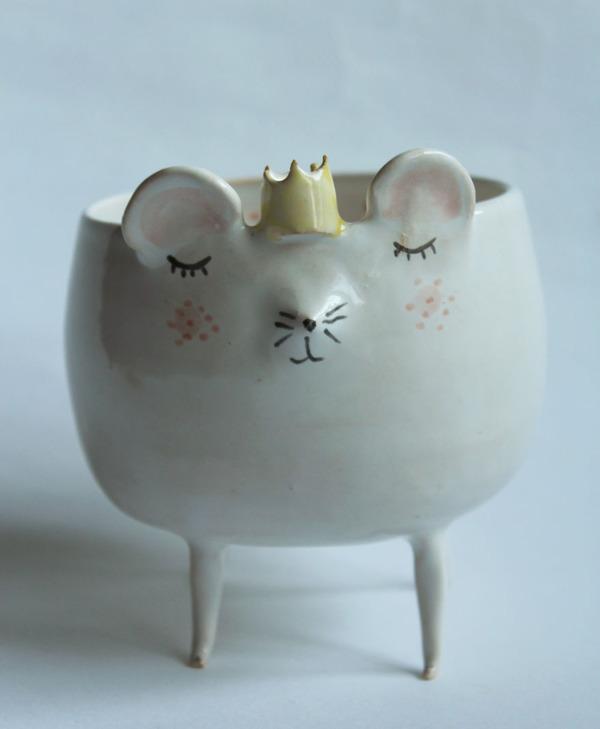 ほのぼのかわいい!瞳を閉じた動物たちの手作り陶磁器 (6)