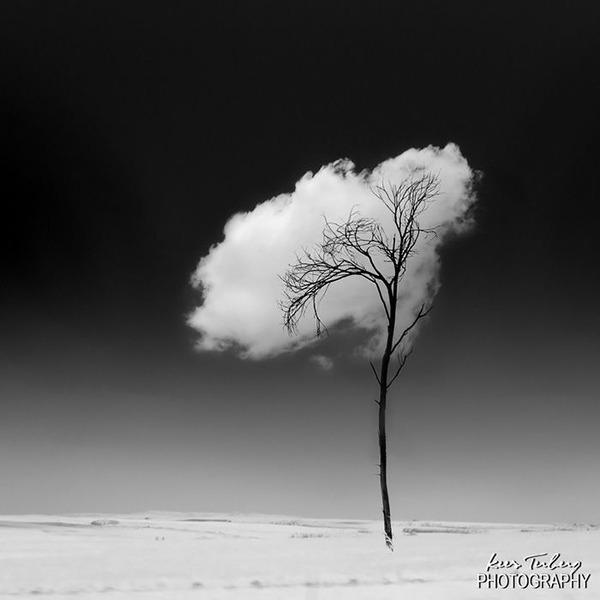 雲を食べる、掴む!ふわふわ白い雲を遠近法で遊ぶおもしろ画像 (18)