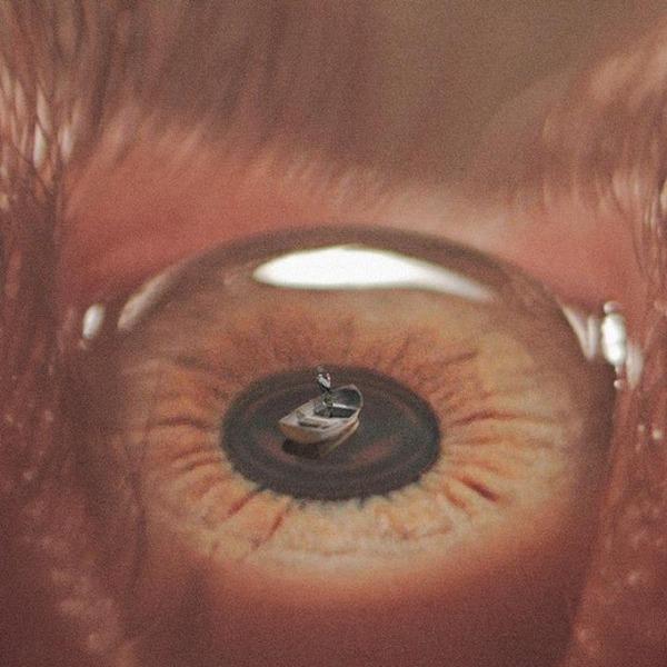 瞳をデジタル加工したアート  Nevan Doyle 3
