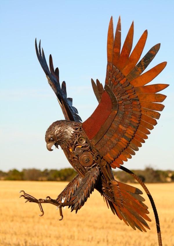 スクラップ金属で作る動物の彫刻がメカっぽくて格好良いよー (4)
