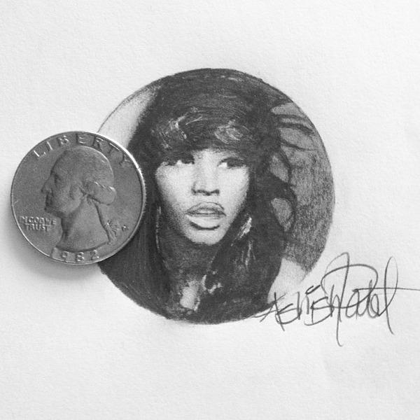 超小さいのに写実的!鉛筆の芯で描くミニチュア肖像画 (6)