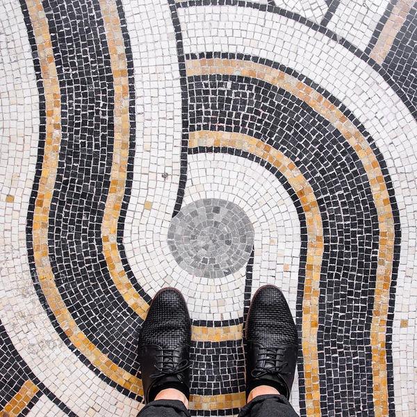 パリは床もお洒落だった!足元に広がる様々なデザインパターン (11)