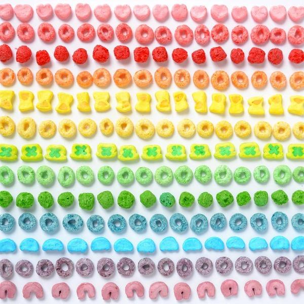 物で虹の色彩を作るアート写真プロジェクト (25)