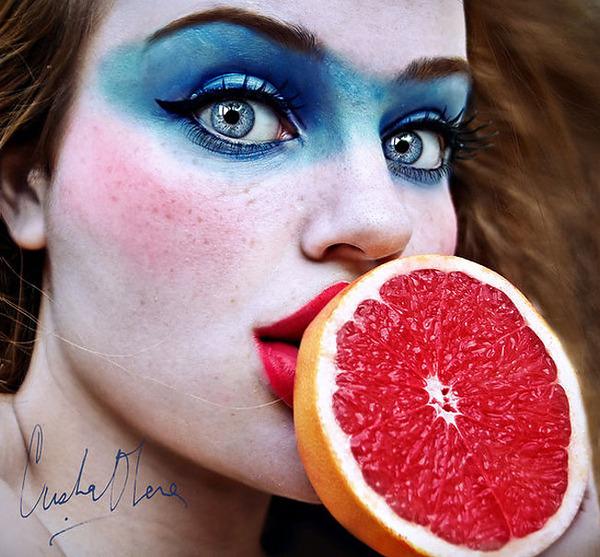 奇抜なフルーツメイク!果物に触発されたセルフポートレート (5)