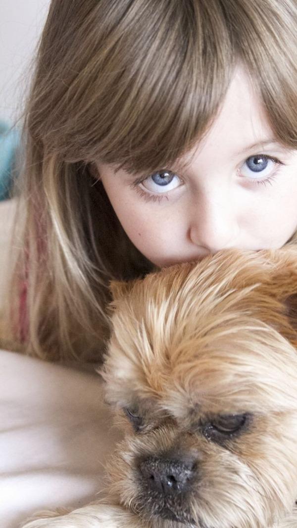 ペットは大切な家族!犬や猫と人間の子供の画像 (42)