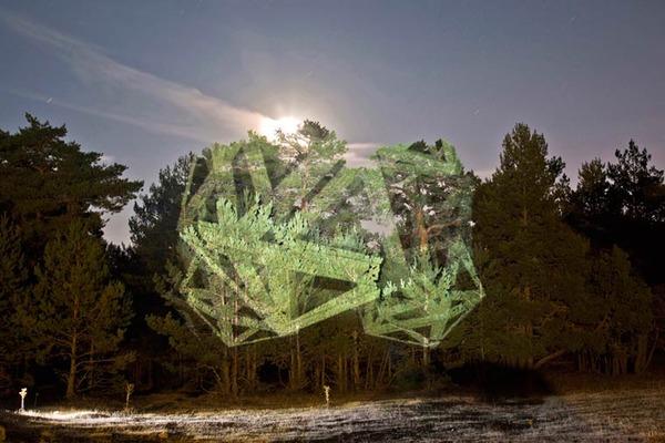 幾何学的な光のアート