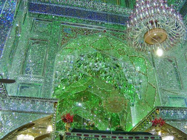 シャー・チェラーグ廟!超煌びやかなモスクの内装 (7)