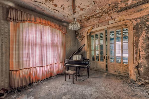 ヨーロッパの廃墟画像!寂れた建物の内観でメランコリック (1)