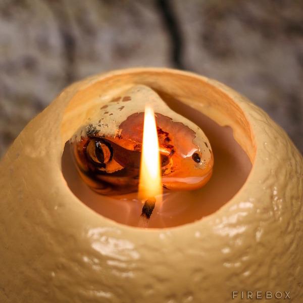 火を灯すと孵化する!恐竜の赤ちゃんが現れる卵型キャンドル (3)