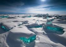 宝石のような氷!ターコイズアイス in ロシアバイカル湖